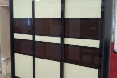 Шкаф-Ариани-со-вставками-крашенного-стекла.