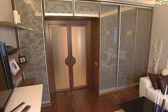 Шкаф-на-заказ-в-комнате